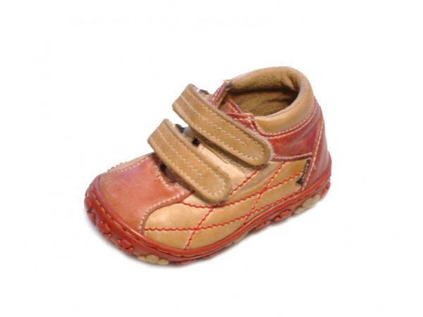 Červeno svetlo hnedé jesenné dievčenské botasky